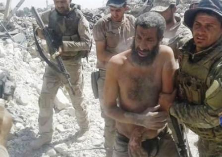 250 داعشی پنهان شده در تونل های موصل در دام نیروهای عراقی