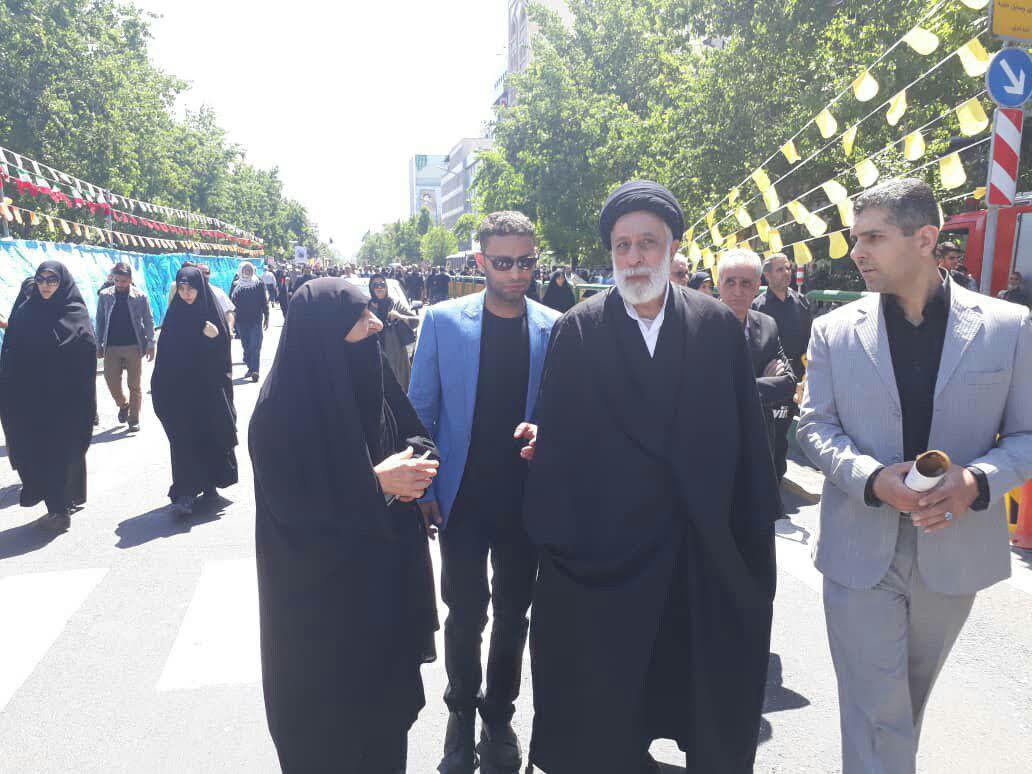 حضور سید هادی خامنهای در راهپیمایی روز قدس