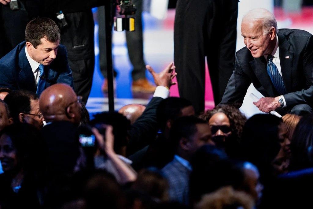 انتخابات درونحزبی دموکراتها/ نامزدهای انتخابات ریاستجمهوری 2020/ برنی سندرز جو بایدن مایک بلومبرگ/ سهشنبه بزرگ/ سوپرتیوزدی