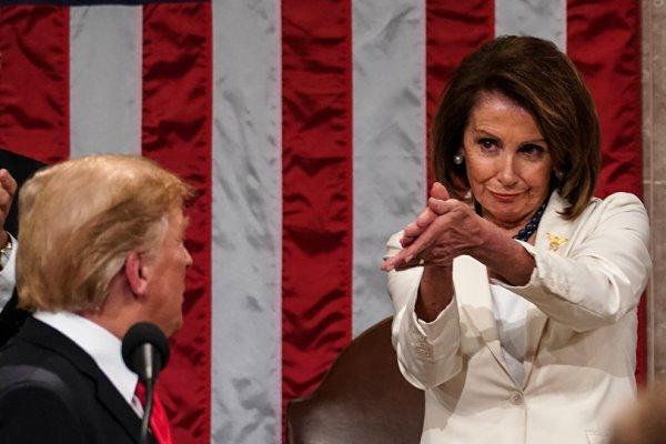 نانسی پلوسی و ترامپ