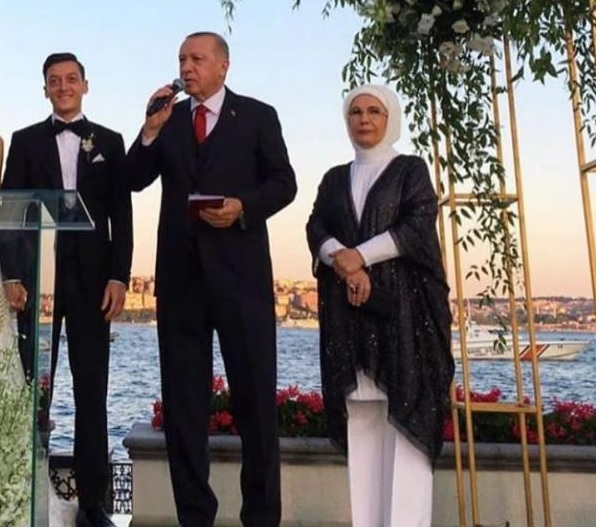 اردوغان و مسوت اوزیل