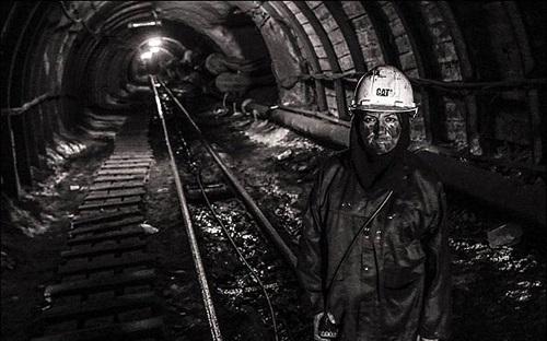 نخستین زن معدن کار ایران