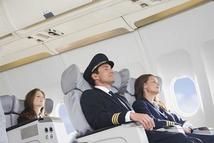 خدمه هواپیما