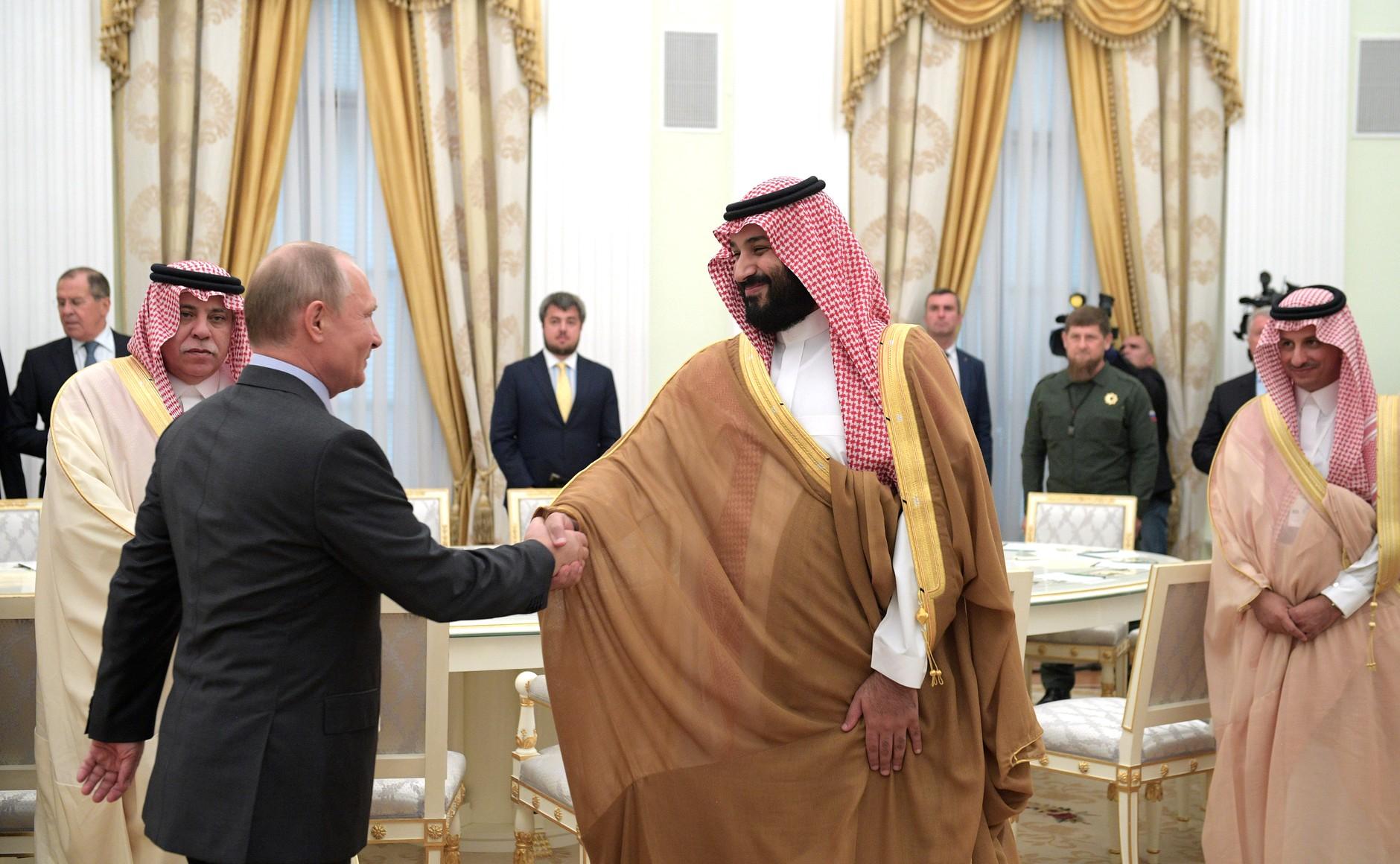 Vladimir_Putin_and_Mohammad_bin_Salman_(2018-06-14)_01