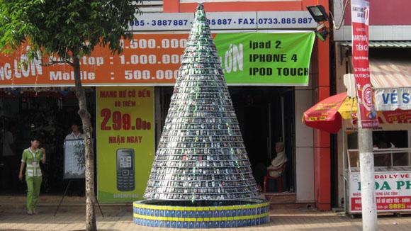 ساخت درخت کریسمس از موبایل