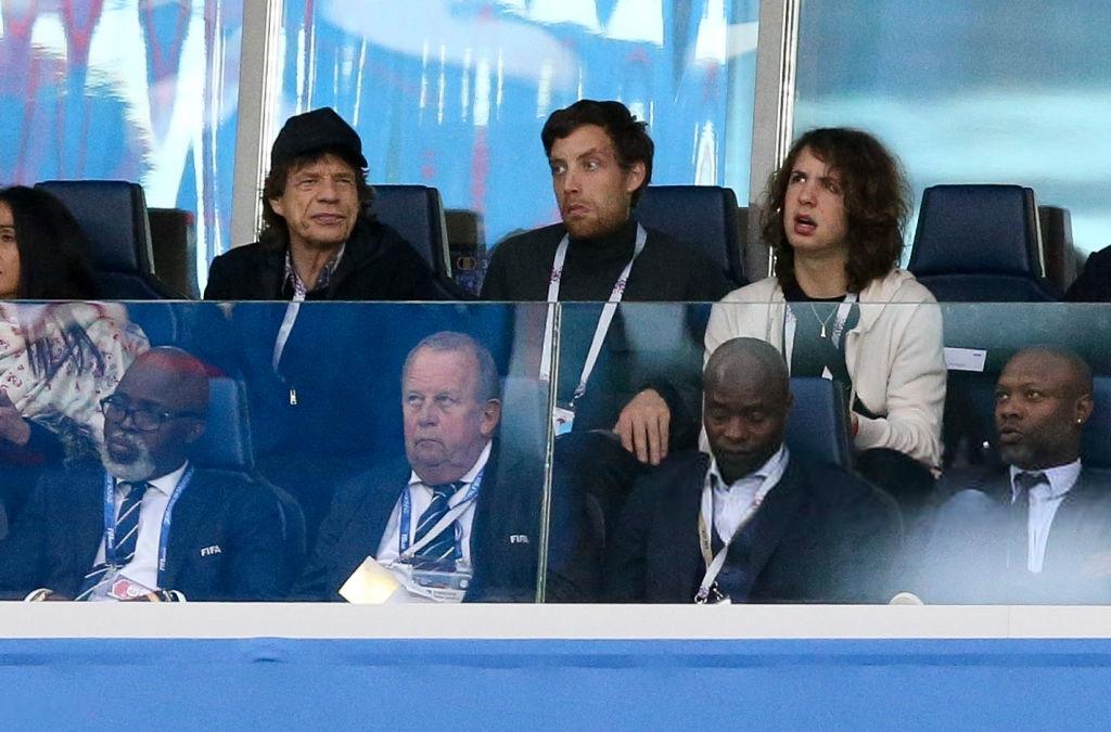 میک جگر  بازی نیمه نهایی فرانسه بلژیک را از جایگاه ویژه تماشا کرد