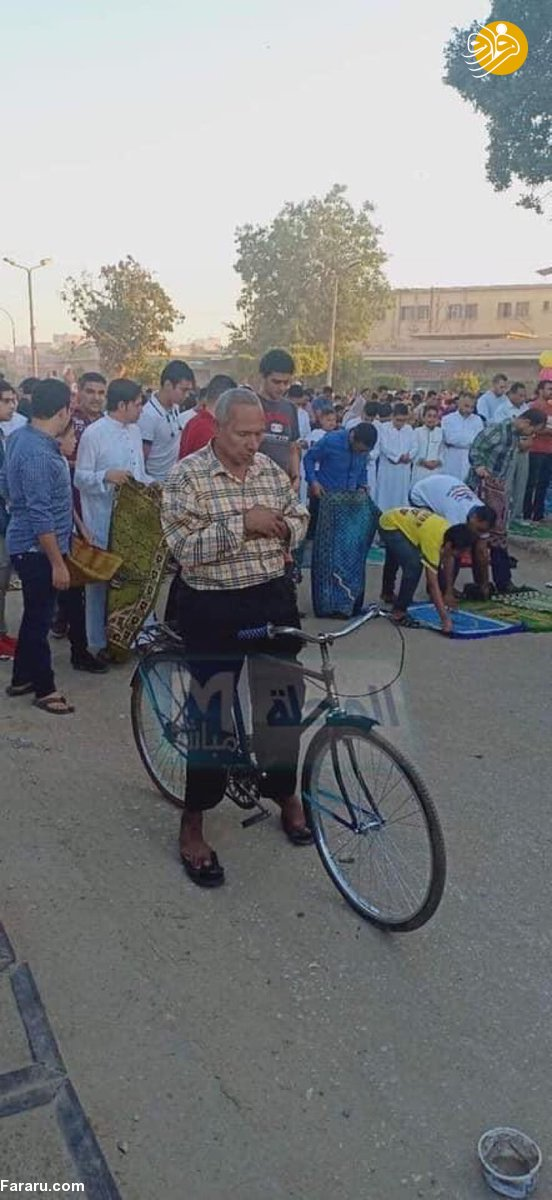 نماز خواندن روی دوچرخه