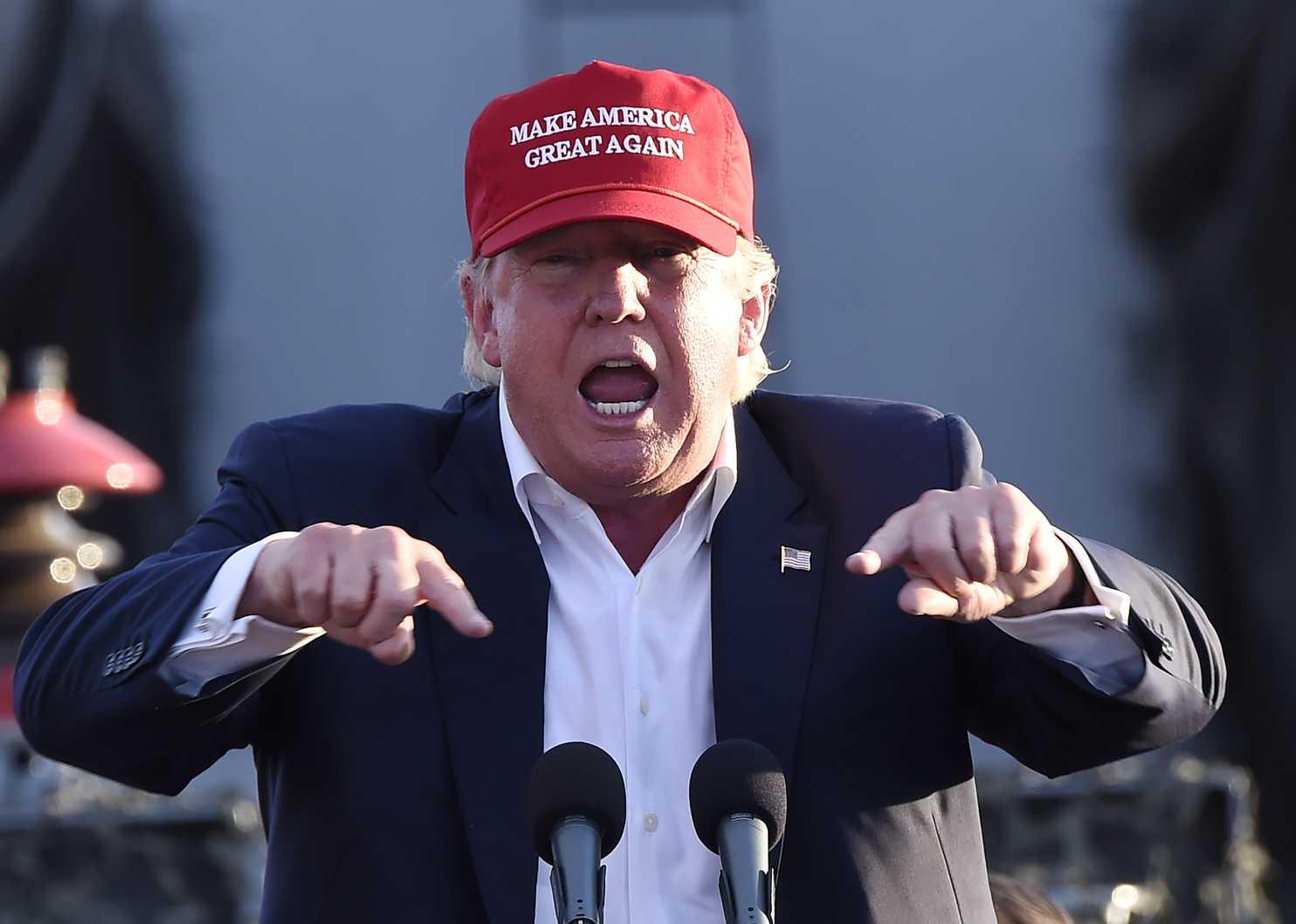 نیویورکتایمز راز محبوبیت ترامپ در طبقه کارگر را بررسی کرد
