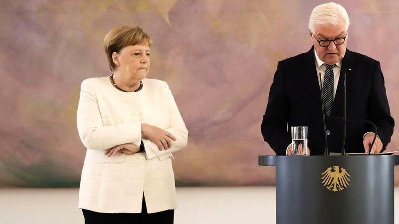 آنگلا مرکل بار دیگر در حضور فرانک والتر اشتاین مایر، رئیسجمهور آلمان