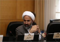 نظام از ناحیه روحانی و لاریجانی دچار دیکتاتوری شده است