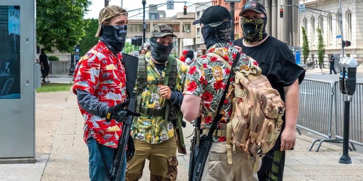 آماده باش دو گروه خطرناک به دستور ترامپ/ مخالفان خودارضایی، فدایی ترامپ شده اند/ پسران بوگالو چه کسانی هستند؟