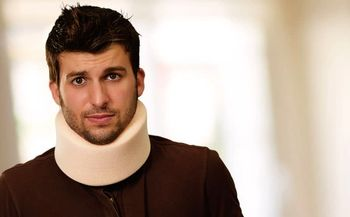 گردنبند طبی: مزایا و موارد استفاده از گردن بند طبی چیست؟
