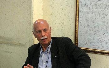 حمله تند پیشکسوت استقلال به مظلومی: سواد نداری/ آقای قلعه نوعی، نورافکن را تربیت کن