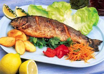 پوست ماهی را نخورید