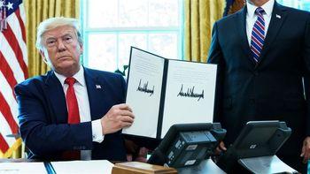 نیویورک تایمز: ایرانیها تحریمهای جدید ترامپ را مسخره میکنند