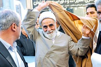 سعید حجاریان رمزگشایی کرد؛ پیام ناطق نوری نمایندگان مجلس با دست زدن به عمامهاش چه بود؟