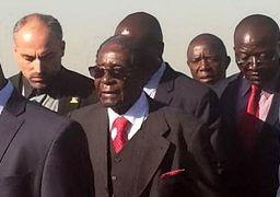 چه کسی به استقبال رابرت موگابه رفت؟ + عکس
