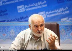 احمد توکلی: احمدینژاد مجرم است و صلاحیت مدیریت عالی کشوری ندارد