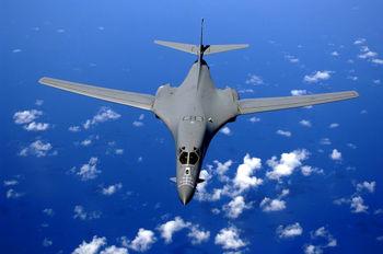 پرواز بمب افکن ها استراتژیک آمریکا در اوج تنش با کره شمالی + عکس