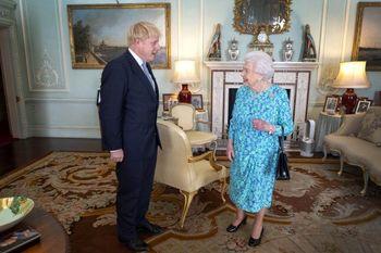 احتمال برکنار شدن بوریس جانسون از سوی ملکه بریتانیا