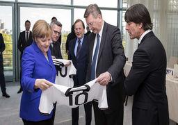 درخواست جالب مربی مشهور فوتبال از صدراعظم آلمان