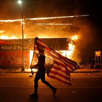 نیویورکتایمز: اعتراضات کنونی آغاز فصل طولانی درگیریهای داخلی است