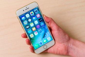 اپل تایید کرد که میکروفون برخی گوشی های ۷ و ۷ پلاس غیر فعال می شود
