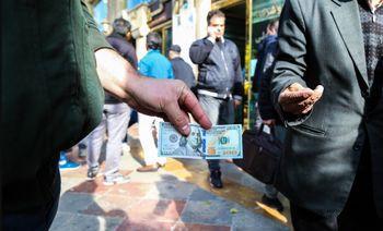 دلار در 14 روز گذشته چقدر مشتری داشت؟+ جدول و نمودار