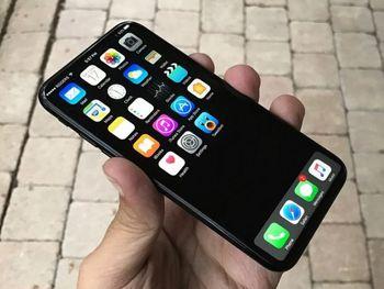 اپل گوشیهای آیفون 8 معیوب را بدون هزینه تعمیر میکند