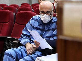 کنایه سردبیر سابق کیهان به تفاوت حکم طبری و سلطان سکه