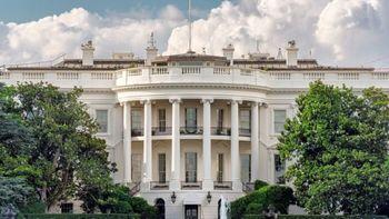 خطر بیخ گوش ترامپ/ ابتلای یکی از کارکنان کاخ سفید به کرونا