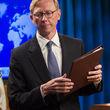 هوک: تحریم های آمریکا علیه ایران ادامه خواهد داشت