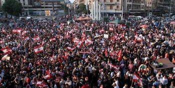 فیلم تظاهرات مردم لبنان در مقابل پارلمان /پس لرزه های انفجار بزرگ بیروت