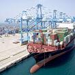 رکوردزنی صادرات سال ۹۸/ صادرات به 100کشور بهرغم شدیدترین تحریمها/ حماسهآفرینی تولیدکنندگان