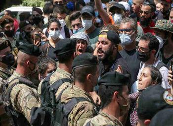 خشم لبنانی ها از انفجار بیروت/ درگیری شدید تظاهرکنندگان و نیروهای امنیتی در اولین اعتراض ضددولتی