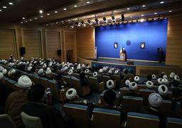 روحانی : ورود روحانیت به جناح بندی های سیاسی اشتباه است