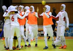 حاشیههای بازی فوتسال زنان ایران-ایتالیا؛ با حجاب بازی نمی کنیم !