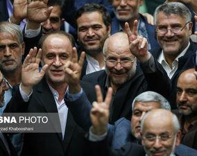 گزارش تصویری دومین جلسه مجلس؛ حرکت قالیباف به نشانه پیروزی!