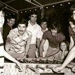 زنده یاد  پورحیدری و حجازی در حال بازی فوتبال دستی