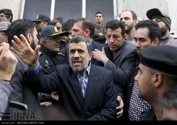 احمدینژاد تنها نیست!
