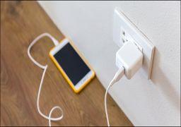 آیا شارژ کردن تلفن همراه از شب تا صبح، باتری را خراب میکند؟ +اینفوگرافی