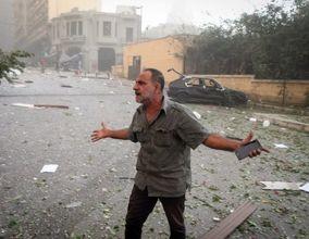 تصاویر| بُهتِ بیروت از انفجارِ بزرگ/ مردموخیابانهای پایتخت لبنان پس از انفجار