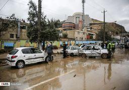 آخرین وضعیت سیل شیراز؛ محله سعدی گرفتار سیلاب / دستور تخلیه برخی از روستاهای شیراز/ احتمال رانش زمین در منطقه 9 شهرداری شیراز