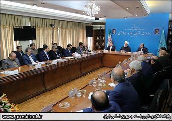 حسن روحانی: بارها رهبری گفتند نظامیها از اقتصاد خارج شوند