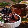 خوردن چای با توت و خرما خوبه یا بد؟