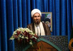 امام جمعه تهران: ملت ایران امروز میوههای شیرین این درخت ۴۰ ساله انقلاب را میچیند/ تمدن آمریکا در حال افول است