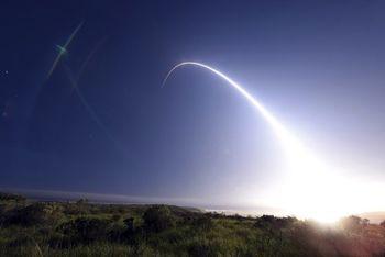 آمریکا از پیمان منع موشکهای هستهای با روسیه خارج شد