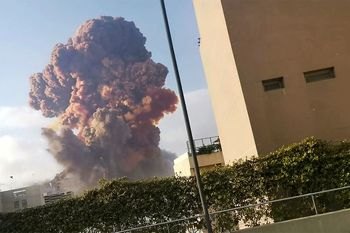 فیلم| نجات معجزهآسای زوج جوان از انفجار بیروت