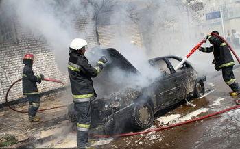 حریق مشکوک پژو405 در خیابانهای تهران