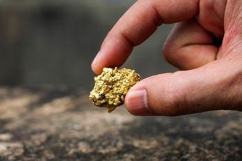 کف بازار طلا پیدا شد/ تخلیه خوش بینی در بورس